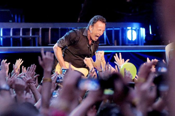 Bruce Springsteen - Page 18 Bru_1010