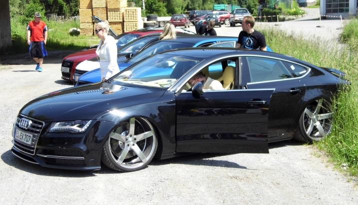 ZAJÍMAVÉ FOTKY Z KONKURENČNÍCH SRAZŮ VW, BMW atd. P1000511