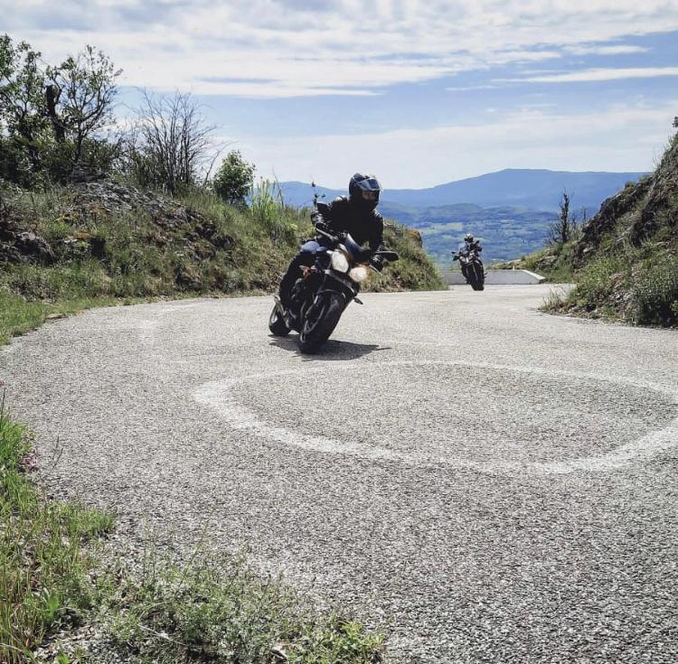 Passion: Motos et motards - Page 31 92295b10