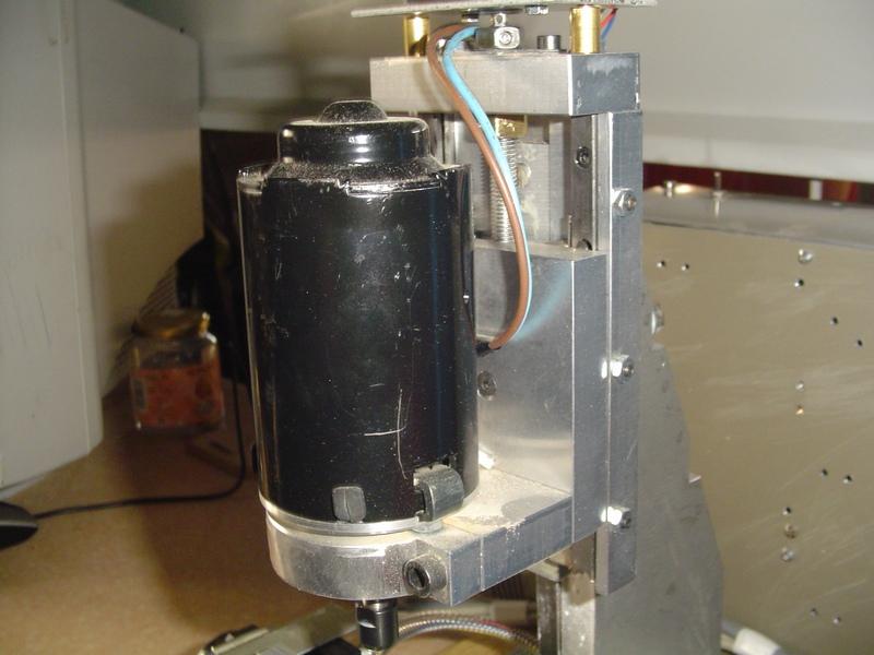 Scie alternative compacte DTTS Dsc00111