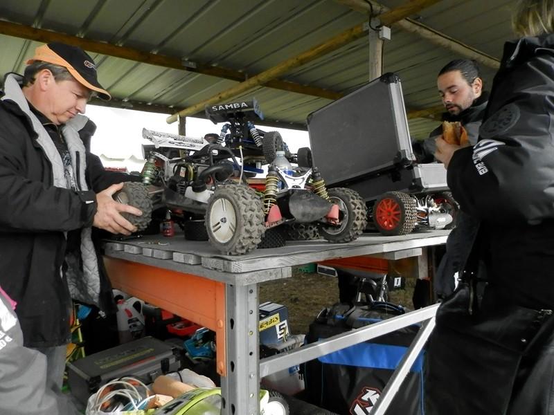 Reportage 2ème GP de Reignac - Page 4 P5190010