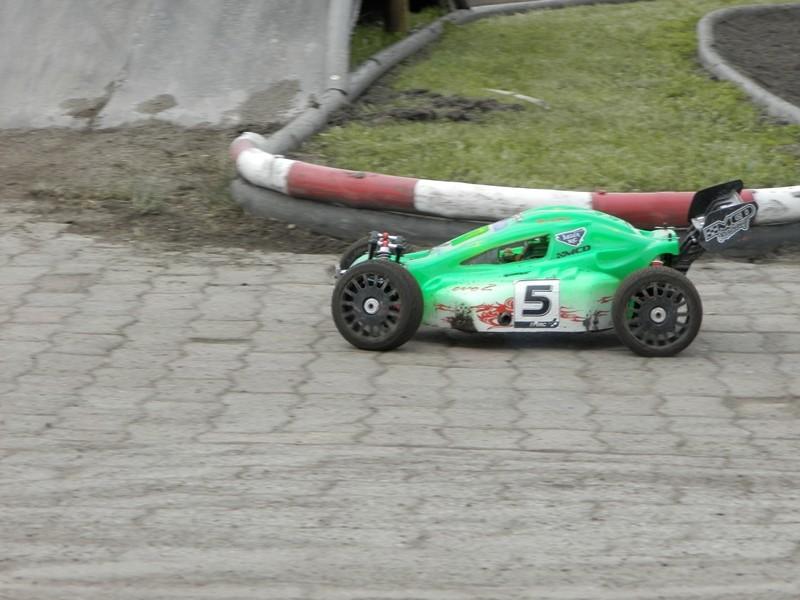 Reportage 2ème GP de Reignac - Page 4 P5190044