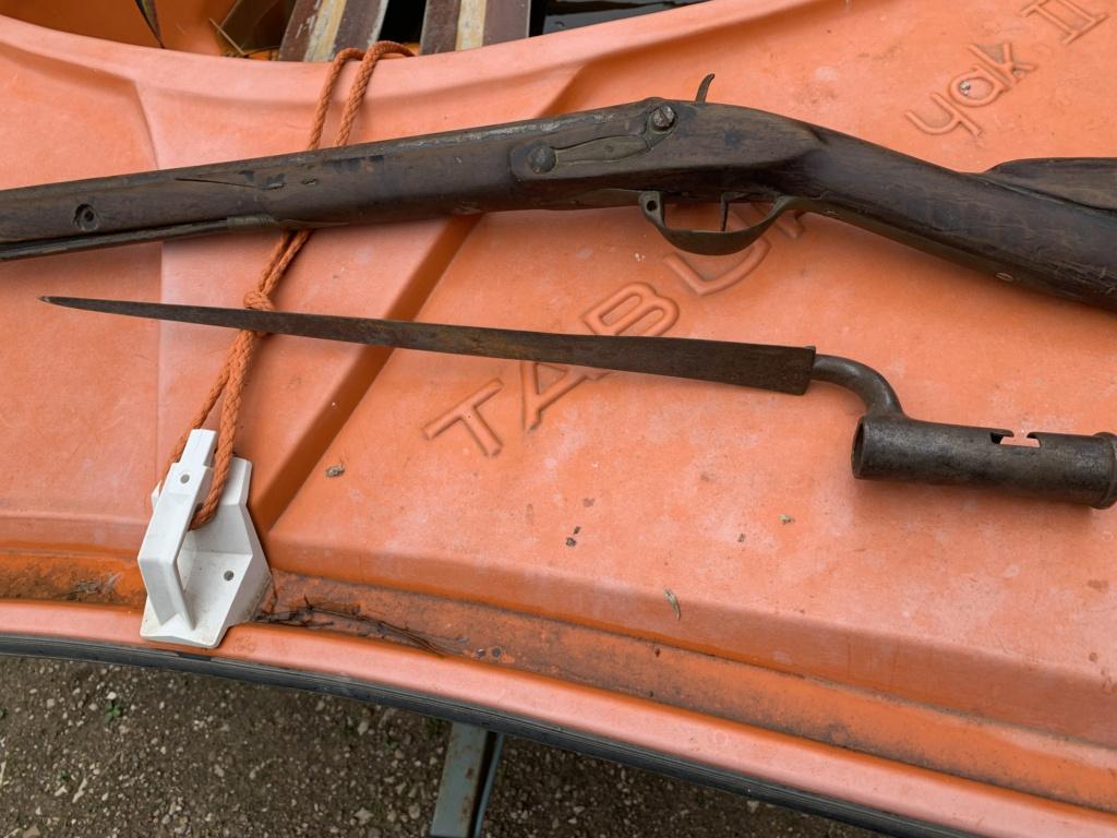 fusil silex et baïonnette à douille? Img-2313