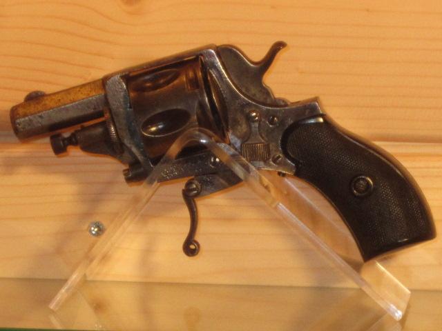 Revolvers (qui connait?) Img_5214