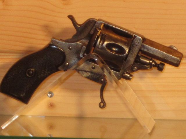 Revolvers (qui connait?) Img_5215