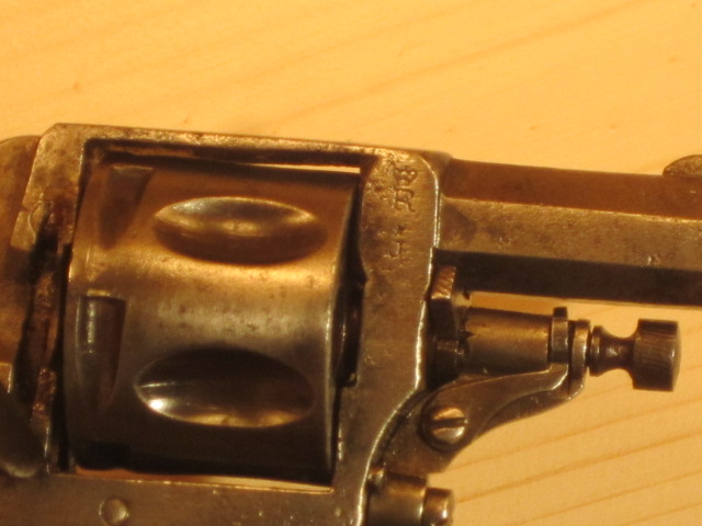 Revolvers (qui connait?) Img_5217