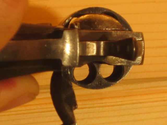 Revolvers (qui connait?) Img_5218