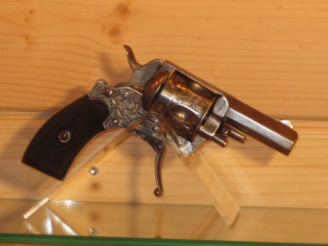 Revolvers (qui connait?) Img_5220