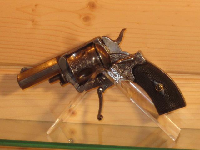 Revolvers (qui connait?) Img_5221