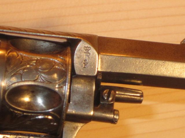 Revolvers (qui connait?) Img_5222