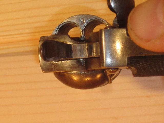 Revolvers (qui connait?) Img_5225