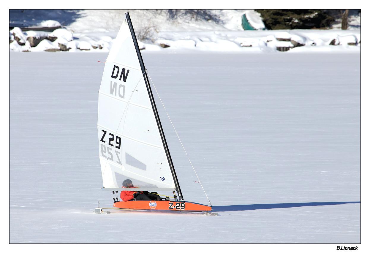 Un lac, une belle bise et -15°.... Char0210