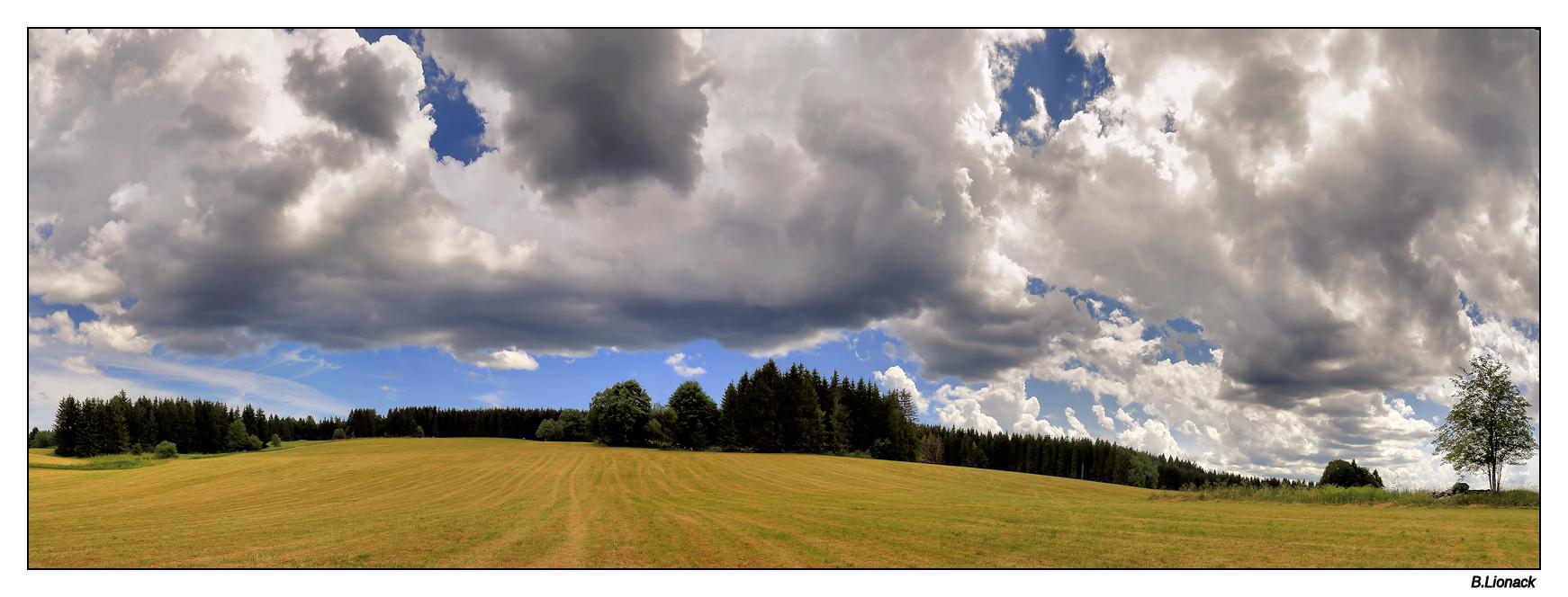 Ciel d'orage sur la combe de Morbier Panoco10