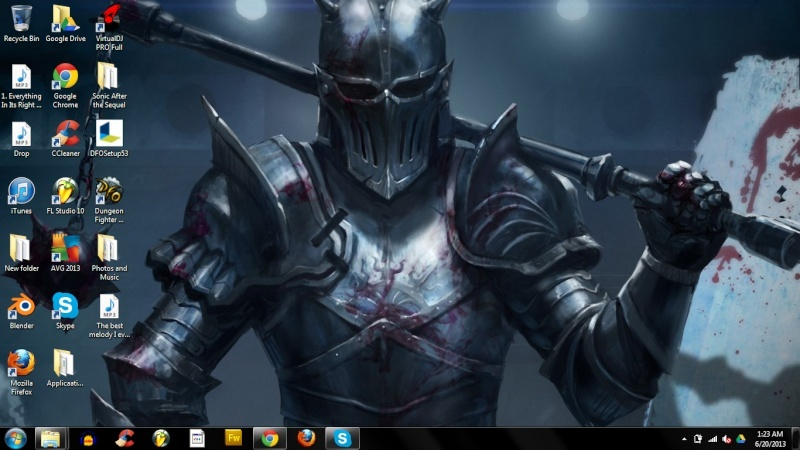 Post a screen shot of your desktop - Page 23 Deskto11