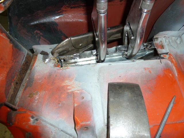 denis du bas rhin et sa Karmann Ghia de 73 sortie de grange - Page 12 P1100018