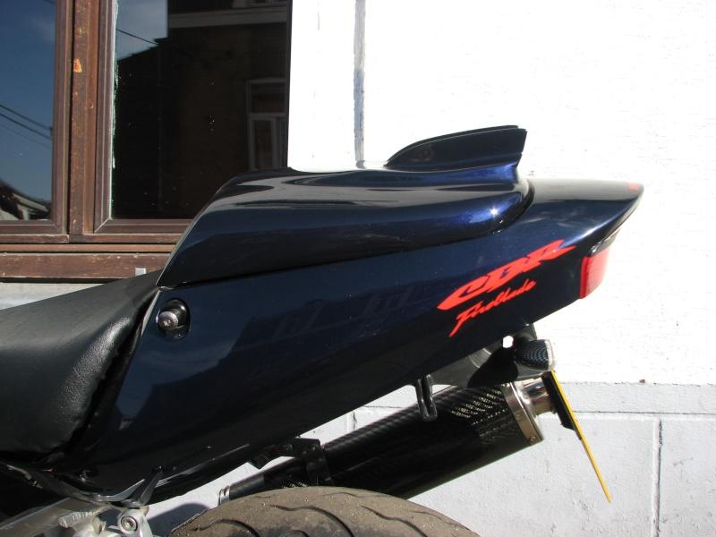 ma moto enfin terminée prete pour la saison super beau mon capot de selle 02110
