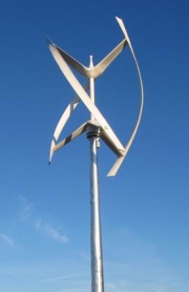 Au pied d'une éolienne 12602810
