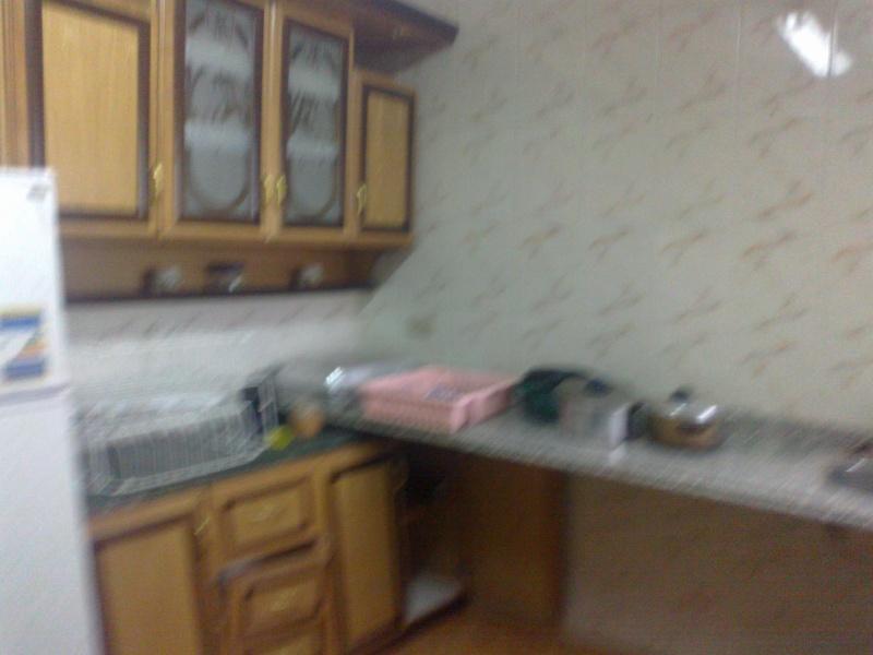 شقة للإيجارمفروش عمارة ومبي مكيفة الدور الرابع علوي غرفتين وصالة لوكس - المعمورة الشاطيء  22012020