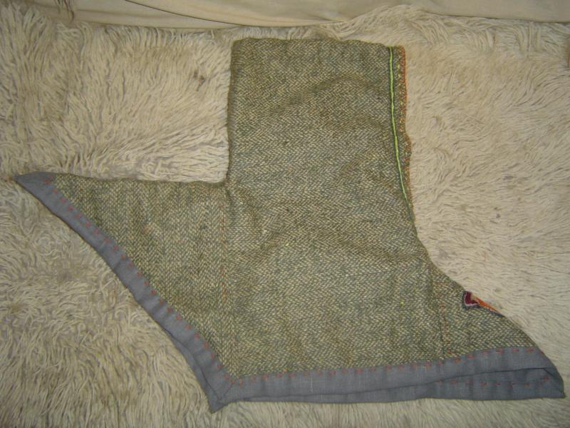 Vu que j'étais lancée, j'ai cousu un chaperon pour on viking de beau-fils... Dsc00714