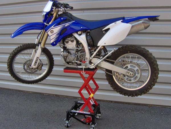 Léve moto hydraulique Leve_m11