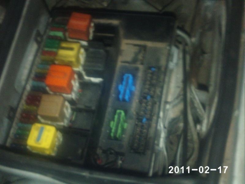 [BMW 525 i E34] Nom d'un boîtier Phot0214