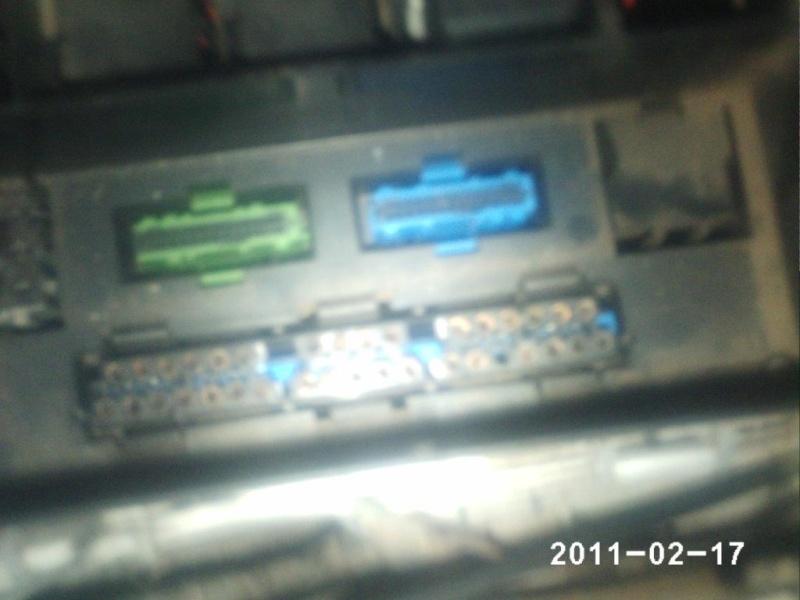 [BMW 525 i E34] Nom d'un boîtier Phot0215