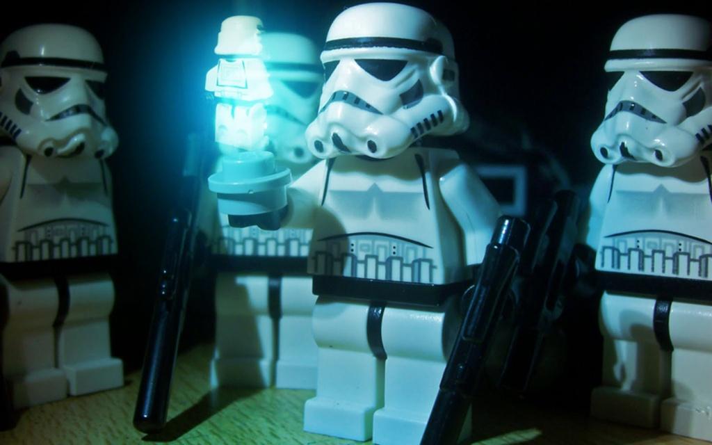 Nos Minifig starwars misent en scène Lego-s11