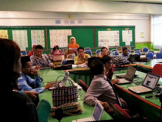 Majlis Guru Cemerlang Zon Pedalaman : Bengkel Membina Laman Web (27jun2013) Dsc_2610