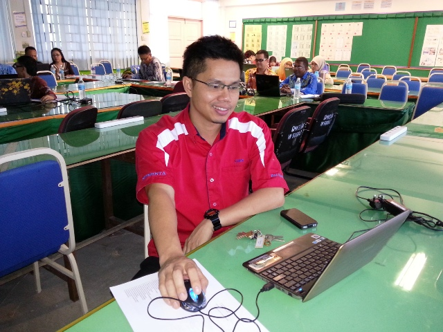 Majlis Guru Cemerlang Zon Pedalaman : Bengkel Membina Laman Web (27jun2013) Dsc_2613