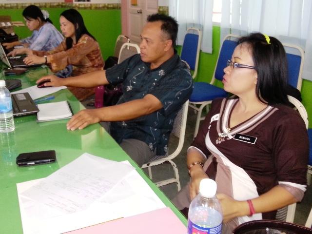 Majlis Guru Cemerlang Zon Pedalaman : Bengkel Membina Laman Web (27jun2013) Dsc_2615