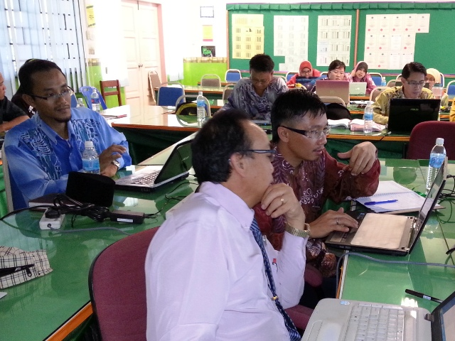 Majlis Guru Cemerlang Zon Pedalaman : Bengkel Membina Laman Web (27jun2013) Dsc_2619