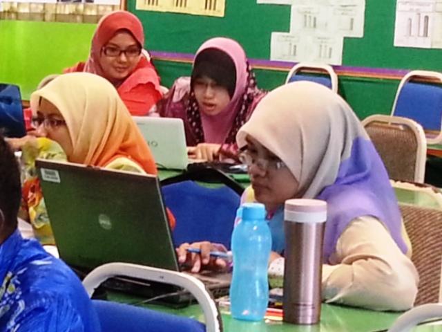 Majlis Guru Cemerlang Zon Pedalaman : Bengkel Membina Laman Web (27jun2013) Z18