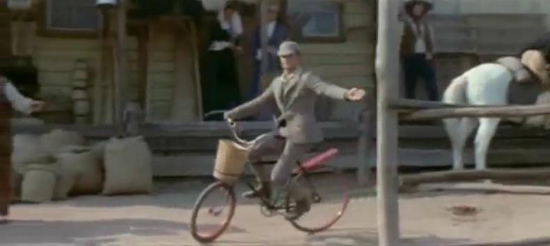 Le vélo... dans le western ! Vlcsna29