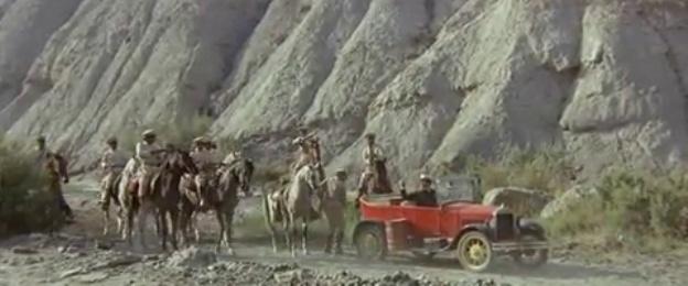 Les automobiles...dans le western. Vlcsna30