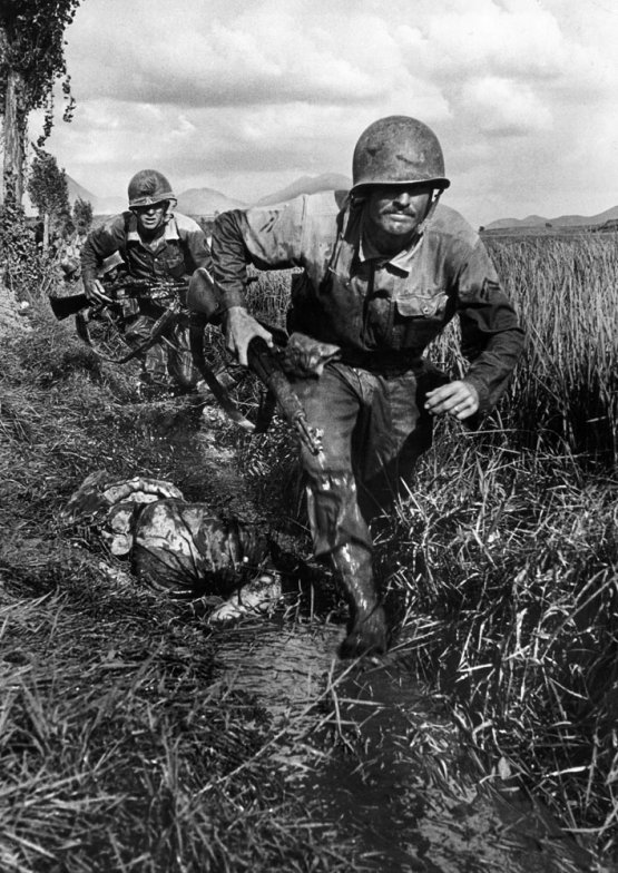 Les Images de la Guerre de Corée - Page 3 02_adv10