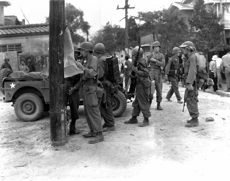 Les Images de la Guerre de Corée - Page 3 31992011