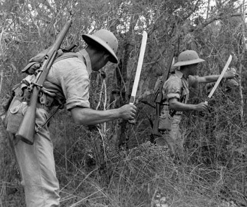 LES MACHETTES DE L'USMC 1900-1945  B210