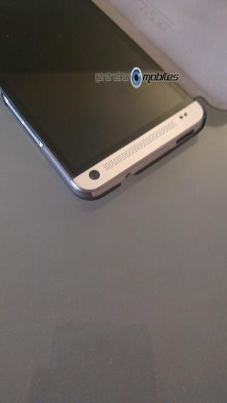 [ORDICA-STORE] Test de l'étui  Folio ultra fin noir - Rock ELEGANT pour HTC One Imag0039
