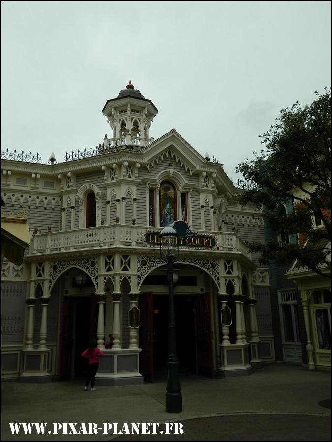 La visite guidée du Disneyland Parc. Dscn4615