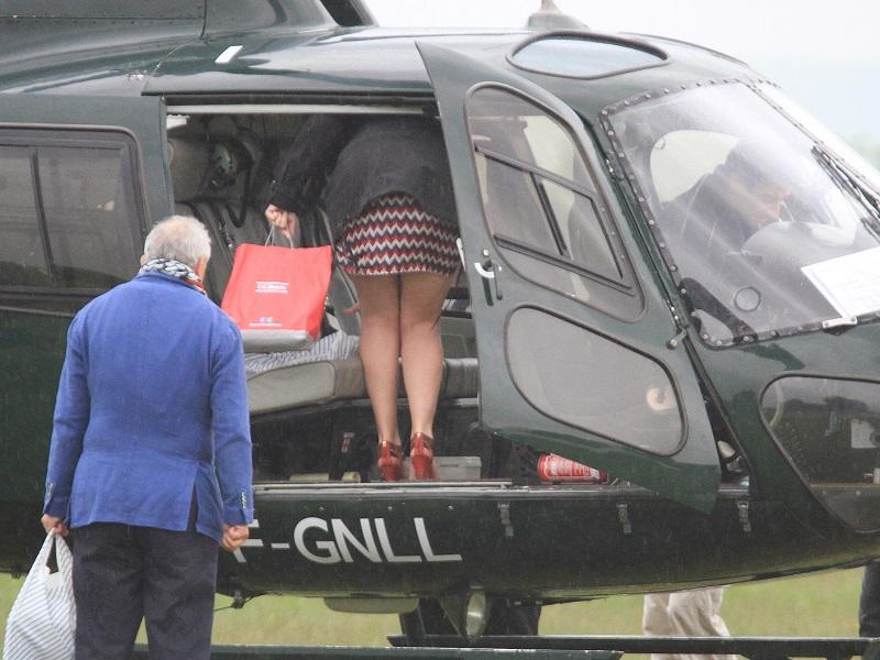 comment monter dans un hélicoptére...... Img_5112