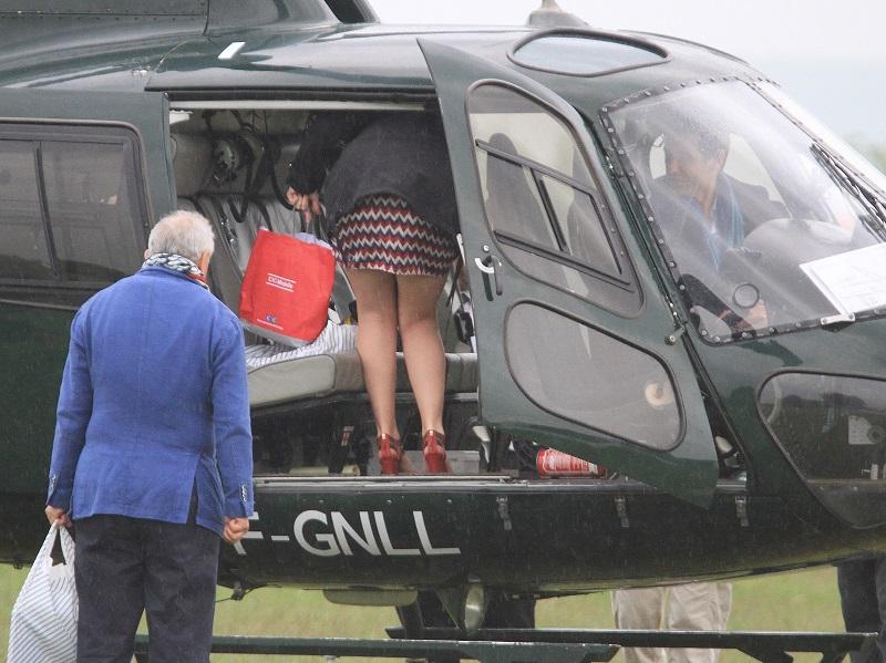 comment monter dans un hélicoptére...... Img_5113