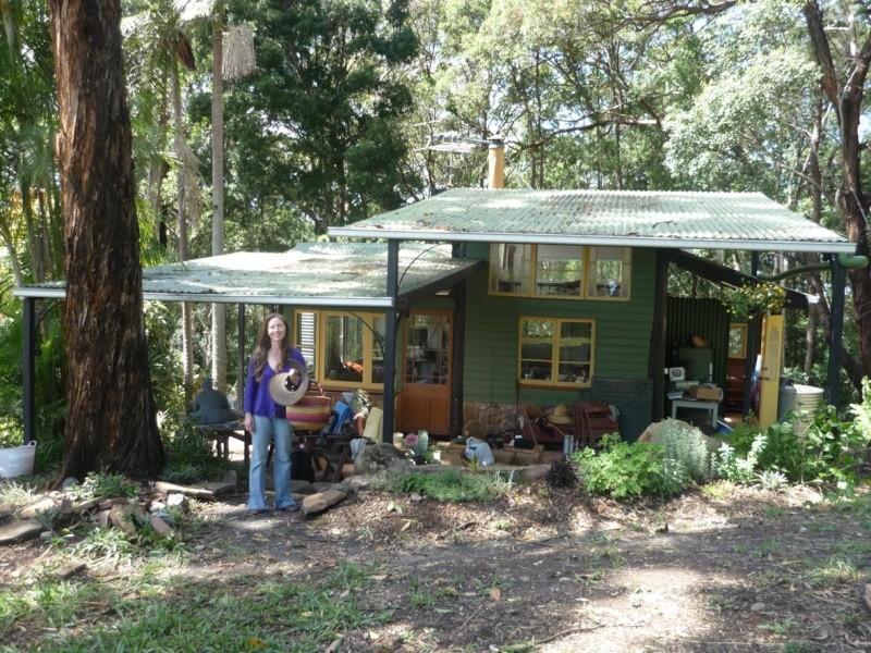 Habitats alternatifs, cabanes et huttes - Page 2 P1060111