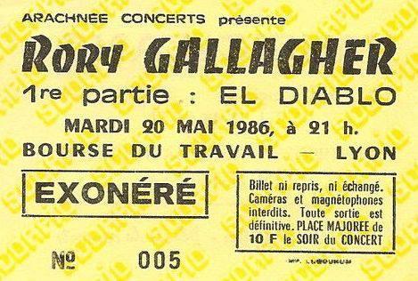 Tickets de concerts/Affiches/Programmes - Page 30 17915710
