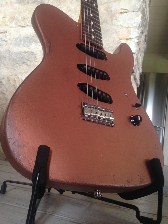 Photos de vos guitares. - Page 34 45469110