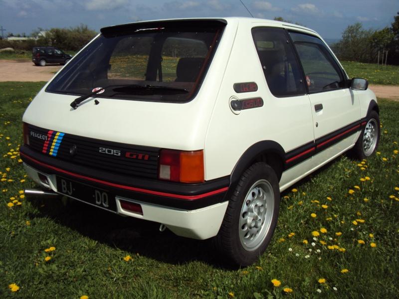 [ Mazoutix] 205 GTi 1.6 115cv blanc meije 1988 - Page 6 Dsc03916
