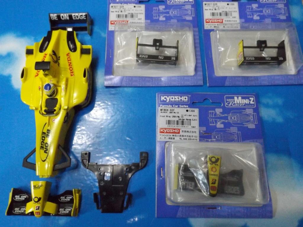 vend une F1 2,4Ghz optionnée pour la compétition et plein de piéces détachées neuves  Dscf5447