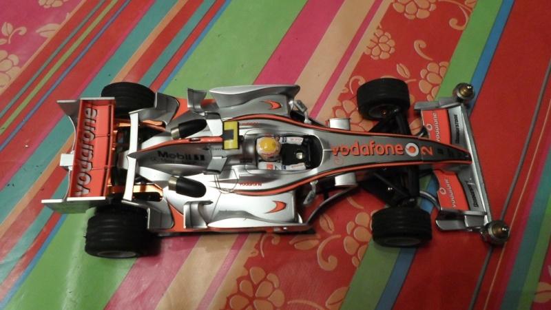 vend une F1 2,4Ghz optionnée pour la compétition et plein de piéces détachées neuves  Sam_1015