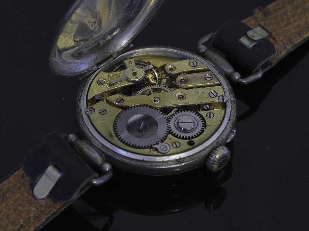 11 novembre 1918. Montres et horloges - Page 3 Pc190011