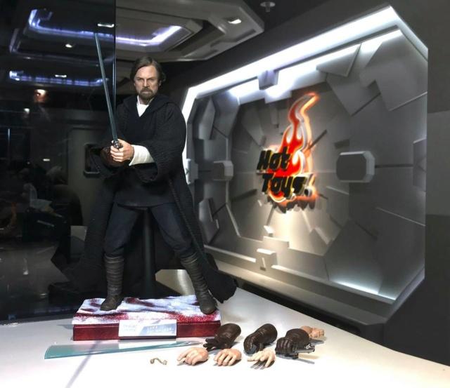 Hot Toys - MMS 507 - The Last Jedi - Luke Skywalker (Crait) 43310110