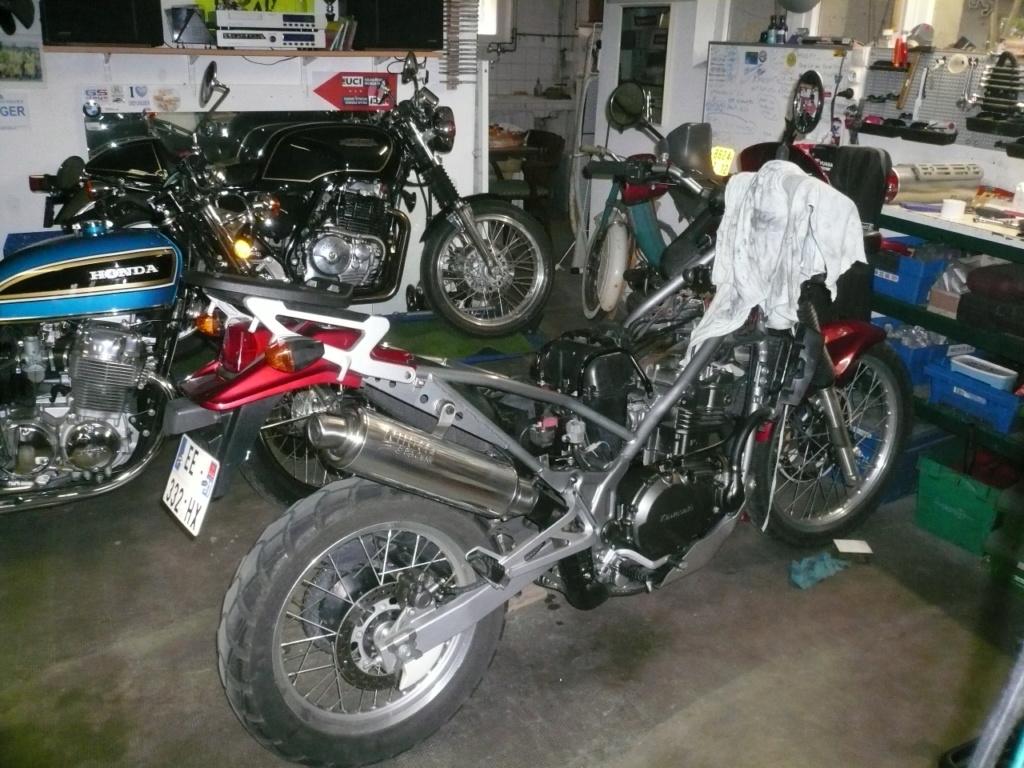 La vie du garage. P1110212
